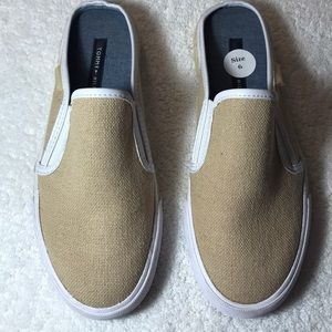 TOMMY HILFIGER SLIP-ON TAN MULES TENNIS SHOE STYLE